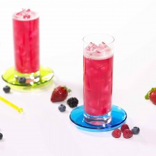 Cold red berry drink