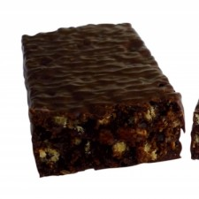 Chocolate and peanut flavour snack bar
